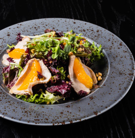 Salad with turkey and oranges